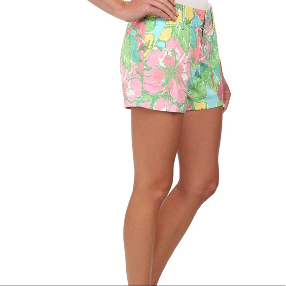 4bf141f7444a4b Lilly Pulitzer Pants - Lilly Pulitzer 00 XS Callahan Short Floral